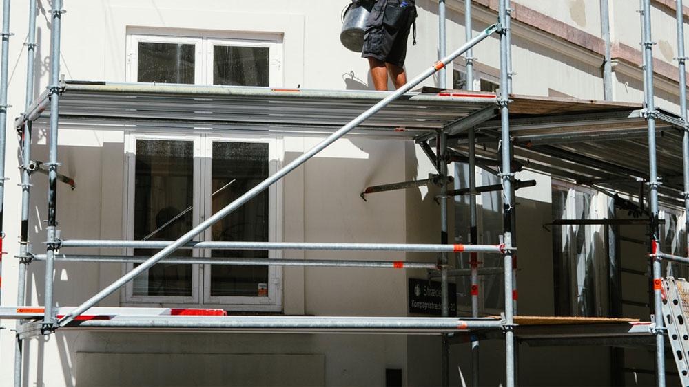 Fasaderska dela in slikopleskarska dela gradbene adaptacije in gradbeništvo Gavis plus d.o.o.