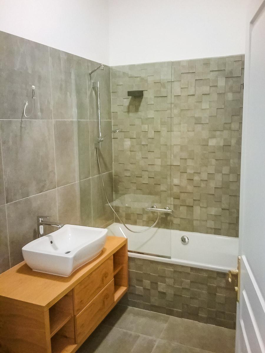 Obnova kopalnice s keramičarjem gradbene adaptacije Gavis plus gradbeništvo